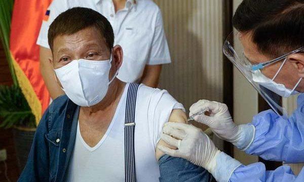 Rodrigo Duterte receives his vaccine
